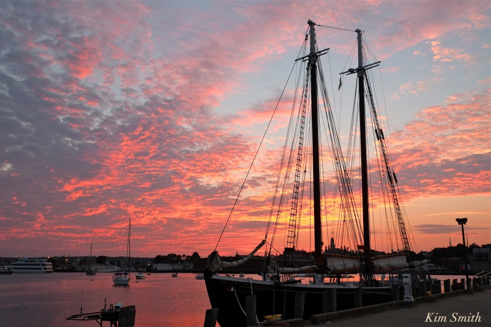 schooner-adventure-sunset-gloucester-harbor-copyright-kim-smith