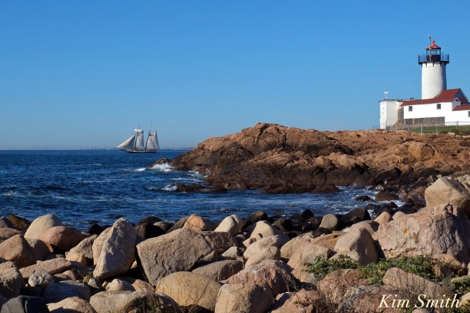 schooner-lynx-gloucester-eastern-point-lighthouse-copyright-kim-smith