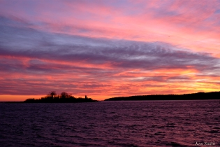 ten pound island winter sunset copyright kim smith