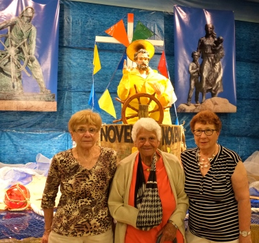 Agnes Burnham, Sara Favazza, and Bea Ciaramitaro St. Peter's Fiesta 2018 copyright Kim Smith